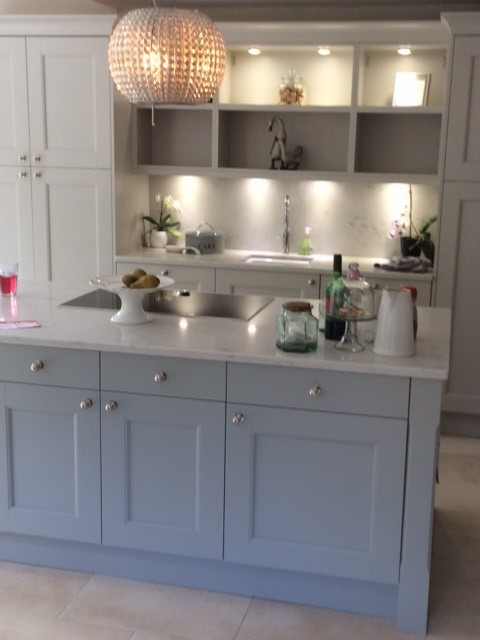 Chippendale Stately Painted Wood Shaker With Bianco Nuvola Quartz, Telford.